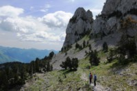 dramatic peaks pyrenees hiking trail